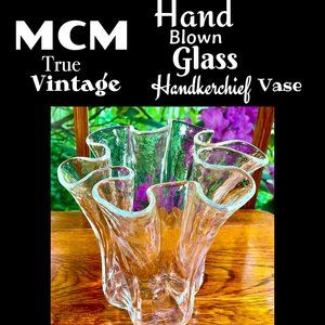 ▪️VTG▪️MCM▪️Hand Blown Glass Handkerchief Vase